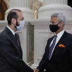 Armenia, India discuss North-South international transport corridor