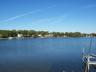 Lake Oakland Clarkston Michigan Lakefront real estate Waterford Michigan