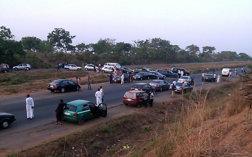 Robbers Car Abuja KAduna road