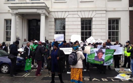 pro_Jonathan-protesters_Jide_Adeniji