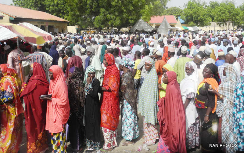 FILE PHOTO: QUEUE OF VOTERS AT AN INTERNALLY DISPLACED PERSONS (IDPs) CAMP DURING THE PRESIDENTIAL AND NATIONAL ASSEMBLY ELECTIONS IN MAIDUGURI ON SATURDAY (28/3/15).