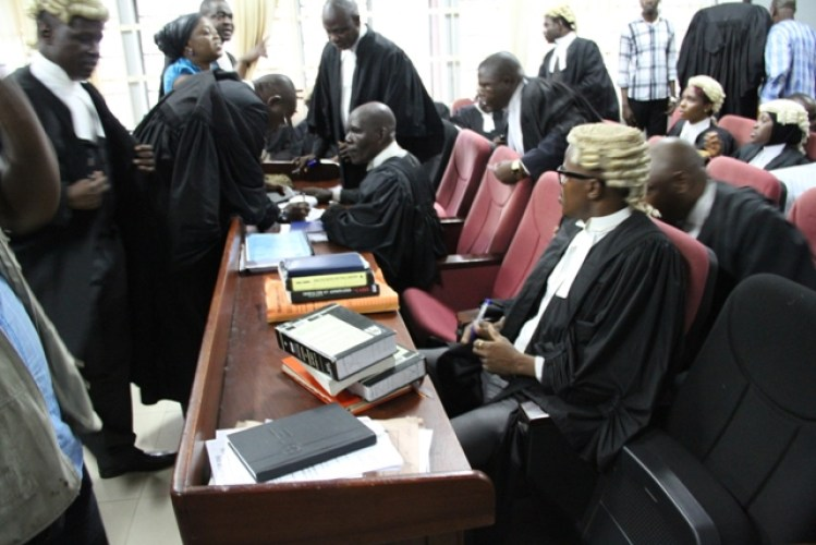 DRAMA INSIDE COURT AS DEFENDANT SHITS ON THE FLOOR – WHAT HAPPENED NEXT WILL SURPRISE YOU