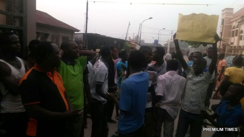 Badagry residents protesting