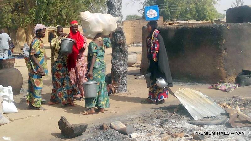 PIC.4. WOMEN FLEEING MAIRI VILLAGE IN KONDUGA LGA OF BORNO ON SUNDAY (7/2/16), AFTER   FRIDAY'S BOKO HARAM ATTACK ON THE COMMUNITY. /7/2/2016/INUWA/HB/NAN