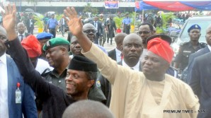 Vice President Yemi Osinbajo (L) and Gov. Akinwunmi Ambode of Lagos State acknowledging cheers from the crowd on arrival at Tafawa Balewa Square venue for the Inauguration of Some Security Equipment, during the working visit of the Vice President to Lagos State as Representative of President Muhammadu Buhari on Monday (23/7/16). 3750/23/5/2016/BOA/MA/NAN