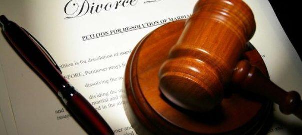 Divorce Photo: NewsFlash