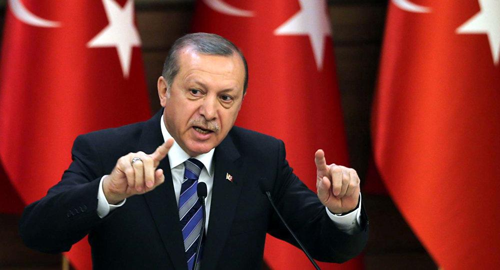 Erdogan tells Macron not to 'mess with Turkey' in Mediterranean spat