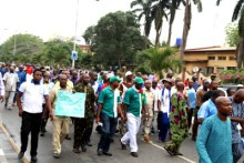 NUPENG members protesting [PHOTO CREDIT: The News Nigeria]