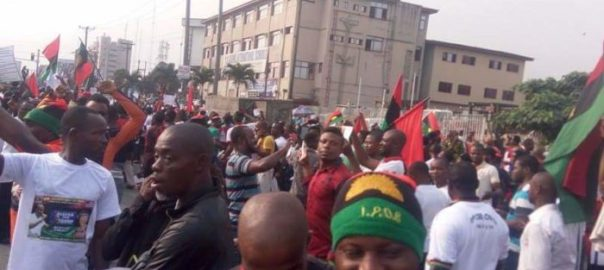 IPOB-members-rally-for-Trump-e1484936241597