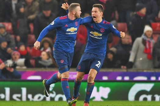 Wayne Rooney becomes Manchester United's record goalscorer