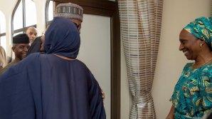 The wife of the President, Aisha Buhari welcoming President Muhammadu Buhari