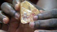 Pastor discovers 706-carat diamond in Sierra Leone [Photo: ABC News]