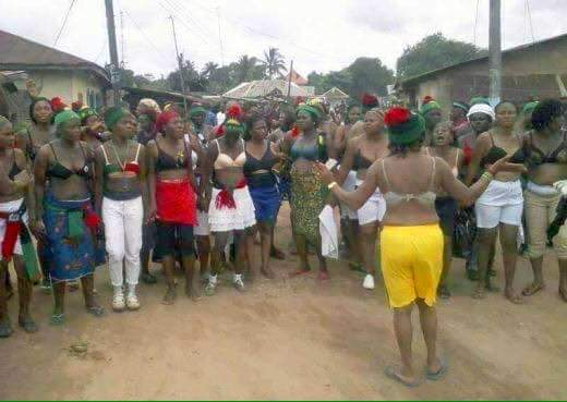Pro-Biafra Women Protest Half-Naked Against Soldiers - Premium Times Nigeria-4764