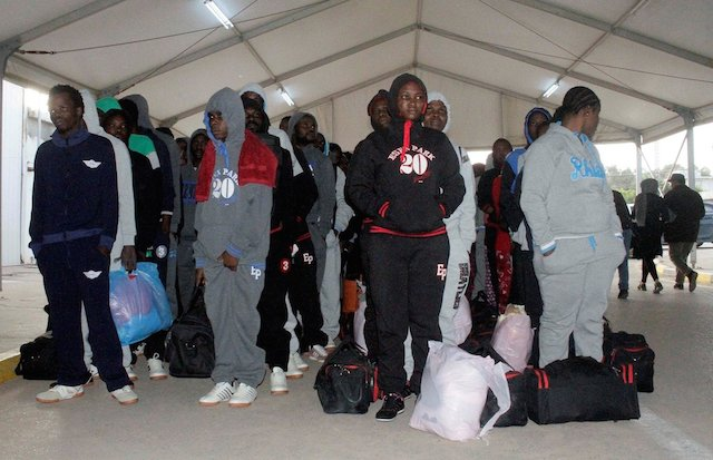 African-immigrants-waiting-for-deportation-in-Libya