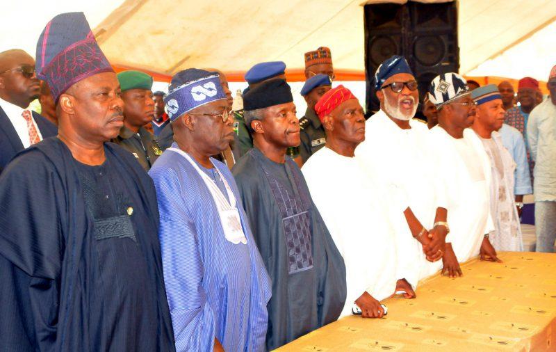 From left: Gov. Ibikunle Amosun of Ogun; APC leader, Asiwaju Bola Tinubu; Acting President Yemi Osinbajo; Widower/former Interim National Chairman of APC, Chief Bisi Akande; Gov. Rotimi Akeredolu of Ondo State; Gov. Abiola Ajimobi of Oyo State; and Gen. Alani Akinrinade, at the burial of Mrs Omowumi Akande, at Ila Orangun in Osun on Thuirsday (13/7/17). 03496/13/7/17/Timothy Adeogodiran/BJO/NAN