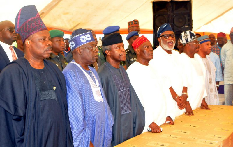 From left: Gov. Ibikunle Amosun of Ogun; APC leader, Asiwaju Bola Tinubu; Acting President Yemi Osinbajo; Widower/former Interim National Chairman of APC, Chief Bisi Akande; Gov. Rotimi Akeredolu of Ondo State; Gov. Abiola Ajimobi of Oyo State; and Gen. Alani Akinrinade, at the burial of Mrs Omowumi Akande, at Ila Orangun in Osun on Thuirsday (13/7/17). 03496/13/7/17/Timothy Adeogodiran/BJO/NAN