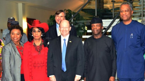 Vice President Yemi Osinbajo (2nd, R); leader of the U.S. Congressional delegation, Mr Christopher Coons (M); Ministers of Foreign Affairs, Mr Geoffrey Onyeama (R) and other members of the delegation during their visit to the Presidential Villa in Abuja on Monday (28/8/17). 04595/28/8/17/Sumaila Ibrahim/BJO/NAN