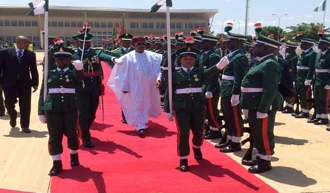 Nigerien President visits Buhari in Daura [photo credit: TVC News]