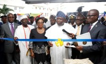 Lagos State Governor, Mr. Akinwunmi Ambode (2nd right), cutting the tape to commission the State DNA and Forensic Centre, Lagos Island, on Wednesday, September 27, 2017. With him are Attorney General & Commissioner for Justice, Mr. Adeniji Kazeem (right); Acting Chief Judge of Lagos State, Justice Opeyemi Oke (2nd left) and representative of the Oba of Lagos, Chief Lateef Aderibigbe Ajose (left).
