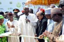 President Muhammadu Buhari (2nd l) cutting the tape to inaugurate the Olam Feed Mill, Hatchery and Breeder Farm Facility in Kaduna on Tuesday (12/9/17). With him are: Gov Nasir El-Rufai of Kaduna (l) Gov Atiku Bagudu of Kebbi (2nd r) Olam Regional Head, Asia and Africa, Mr Ranveer Singh Chauhan and the State Chief of Protocol (SCOP) Amb Lawal Kazaure 04821/11//9/2017/Callistus Ewelike/NAN
