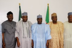 Governor Aminu Waziri Tambuwal with the members of the Senate Committee on Works when they visited Sokoto Government House...Monday 23/10/17