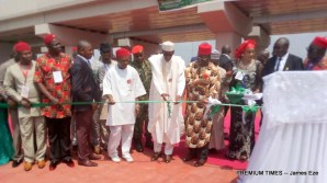 Buhari commissioning the new Akanu Ibiam flyover-001