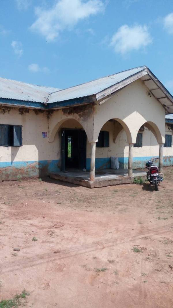 Dilapidated building at Maito Primary Health centre, Wushishi LGA, Niger state.