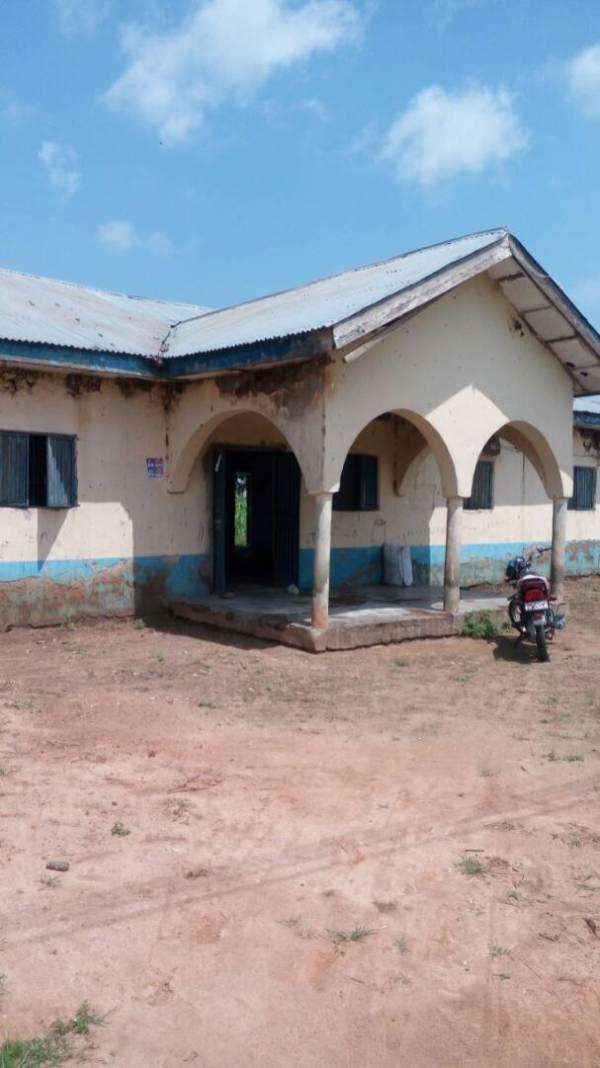 Dilapidated building at Maito Primary Health centre, Wushishi LGA, Niger state.