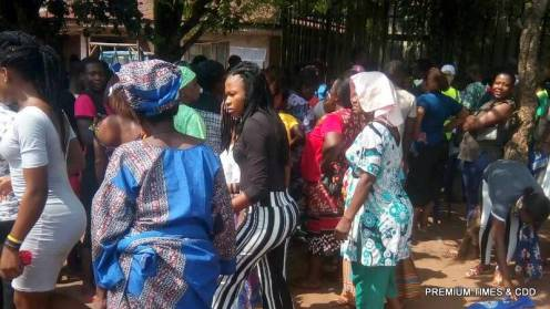 Voting in process but Card reader not detecting finger prints or voters cards of some people @ilu Abito square 001 nsugbe 1
