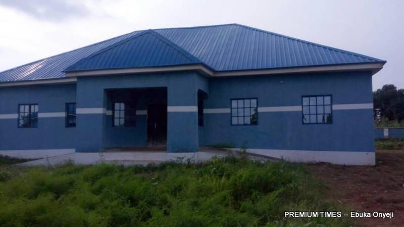 Well built but abandoned PHC in Gbaye village, Shiroro LGA (Photo taken by Ebuka Onyeji)