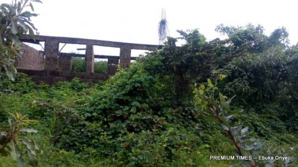 Incomplete PHC at Ubbe/Ogba, Akwanga LGA Nasarawa state filled with thick bushes. (Photo taken by Ebuka Onyeji)