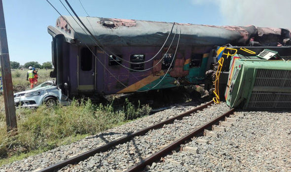 Four killed in South Africa train collision [Photo credit: Daily Express]