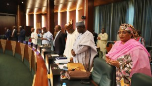 cross section of Ministers offering opening prayers during the Federal Executive Council chaired by Vice President Yemi Osinbajo at the Aso Chambers, State House, Abuja. Photo by Abayomi Adeshida 11/04/2018