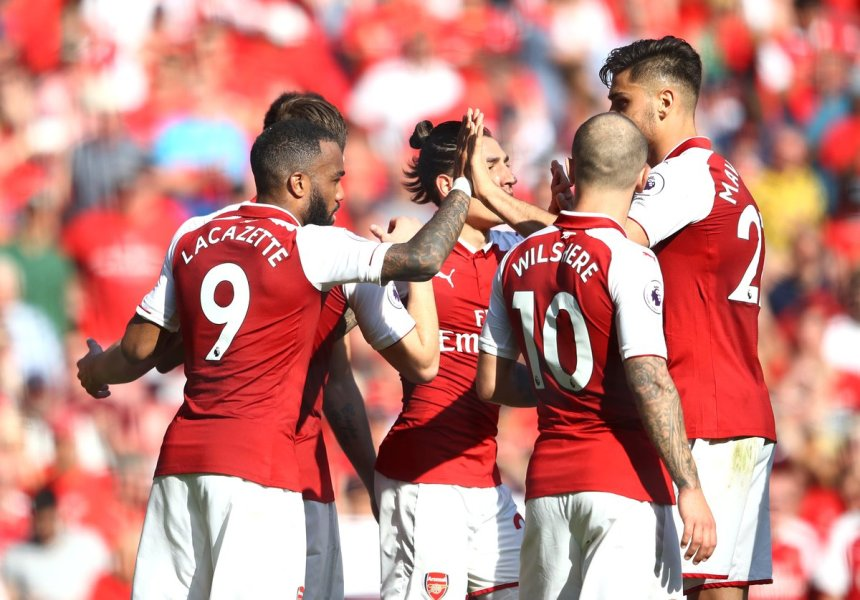 Arsenal celebrates after scoring (Photo Credit: SuperSport on Twitter)