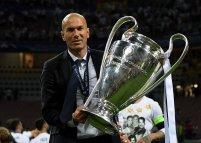 Zinedine Zidane with the UEFA champions League trophy