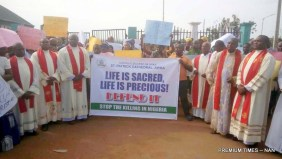 Catholic Bishops, faithful protest against killings in Nigeria in Awka, Anambra on Tuesday (22/5/18)02707/22/5/2018/Patrick Anaso/ICE/NAN