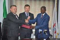 Paul Arkwright, British High Commissioner to Nigeria presenting an award to Ibrahim Magu, Ag. Chair of EFCC at the EFCC HQ on a courtesy visit