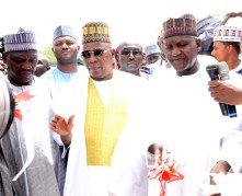 L-R. Borno state Deputy Governor Usman Mamman Durkwa, Borno State Governor, Kashim Shettima, Managing Director Aliko Dangote Foundation, Zouera Youssoufou, Chairman and Founder Aliko Dangote Foundation, Aliko Dangote, Trustee Aliko Dangote Foundation, Halima Dangote, Borno state Commissioner for Reconstruction , Rehabilitation and Resettlement. Prof. Babagana Umara.