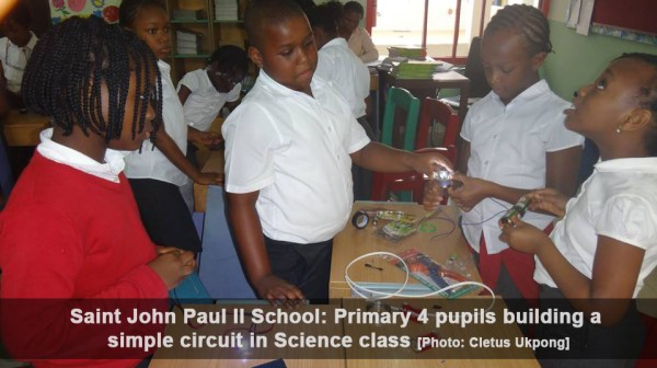 Saint John Paul II School: Primary 4 pupils building a simple circuit in Science class