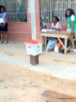 Ward 7,unit 2, card reader is faulty and has hindered the voting process, Efon Alaye. 8:40am