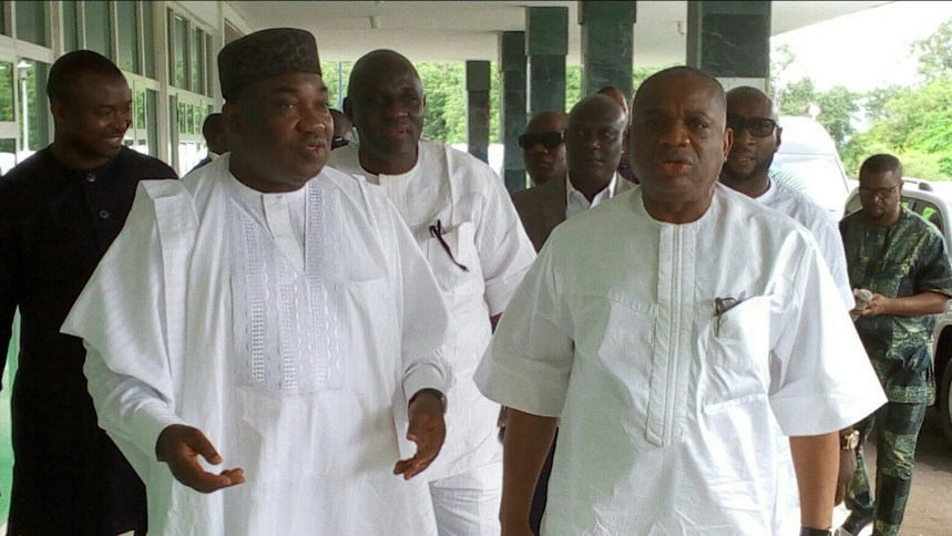 Governor Ifeanyi Ugwuanyi of Enugu State (left) with the former Governor of Abia State, Dr. Orji Uzor Kalu when the latter paid a visit to the governor at the Government House, Enugu, yesterday