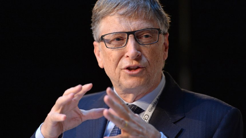 MUNICH, GERMANY - FEBRUARY 17: Microsoft founder Bill Gates speaks during a book presentation at the 53rd Munich Security Conference at Hotel Bayerischer Hof in Munich, Germany, on Februrary 16, 2017. The annual event brings together government representatives and security experts from across the globe. Andreas Gebert / Anadolu Agency | Keine Weitergabe an Wiederverkäufer.