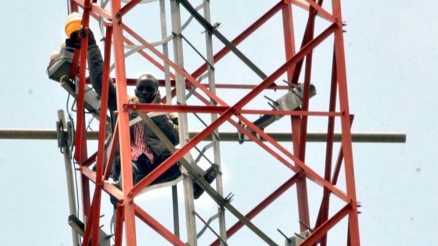 Man climbs Mast