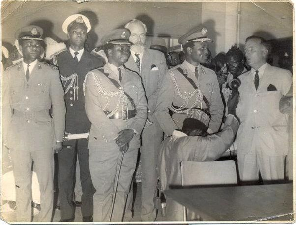 Col. David Bamigboye second from left as Military Governor of Kwara State [photo: OnlineNigeria.Com]