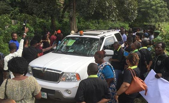 Efe Okedi's burial convoy at Atan Cemetary Yaba, Lagos on Friday