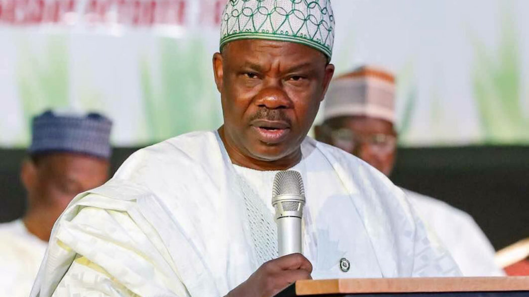 Amosun surrenders 1000 AK47 rifles, 4million bullets acquired before 2019 elections