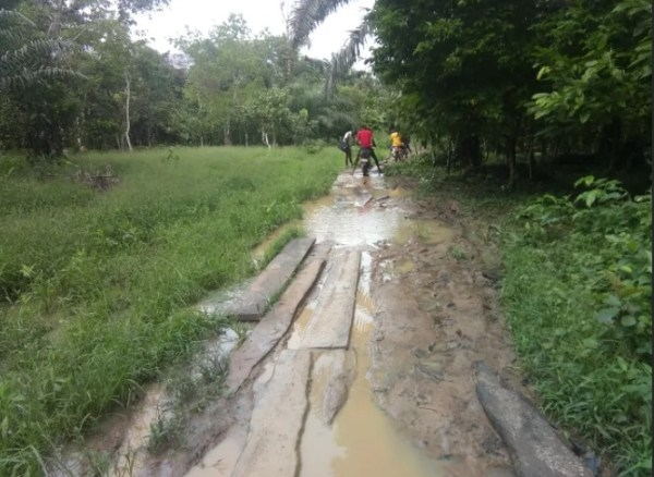 Road leading to Kekere Community