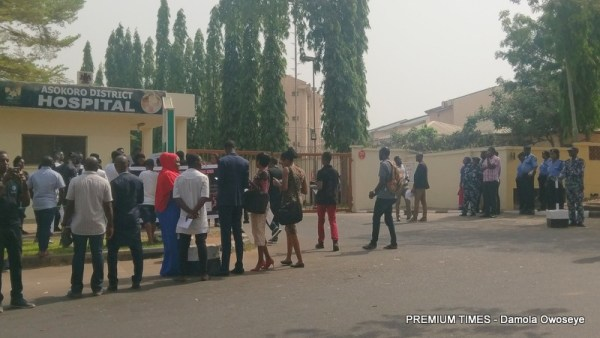 Some of the protesters in front of Asokoro District Hospital, Abuja