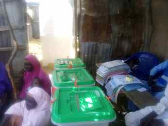 Alarm: 2:10 Shiyan Namata, Illela, 023 The election is yet to start, the card reader is not working Sokoto East The presiding officer has gone to get issue fixed and as the time of filling this report the election processes are yet to commence at the place