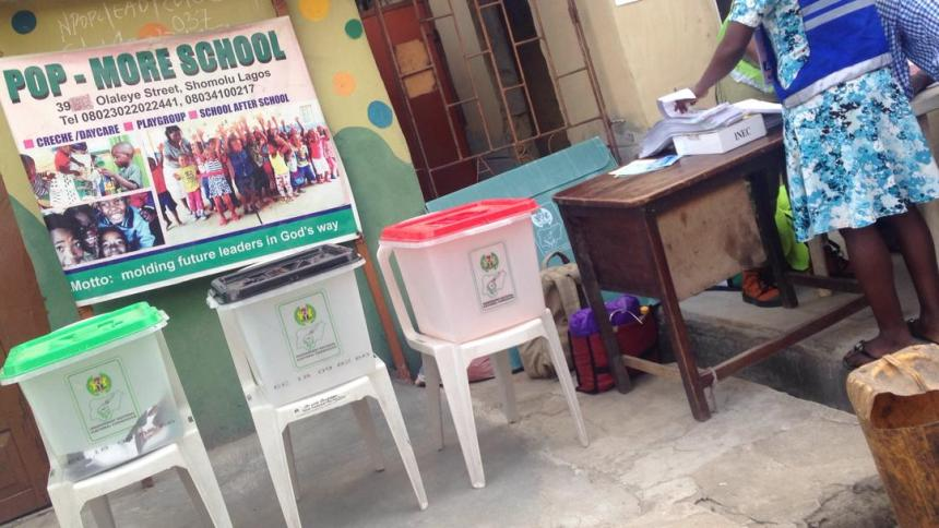 @9:31am, Ward 01 PU 011 Shomolu Lga Lagos East. Voting yet to begin, Voters yet to be accredited and ballot boxes yet to be sealed.